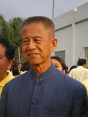 English: Chamlong Srimuang at PAD New Year Par...