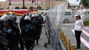 Nur 250 Demonstranten stehen 12.000 Polizisten gegenüber
