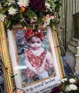 Thailand: Baby vom Facebook Mord wurde heute beigesetzt