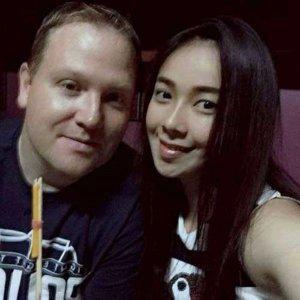 Wegen Tod einer jungen Frau bei einer Schaum-Party verlangen Eltern 1 Million Baht
