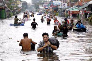 Zahlreiche Strände wegen heftigen Monsun-Regen gesperrt