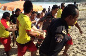 Touristen ignorieren Warnungen von Rettungsschwimmern
