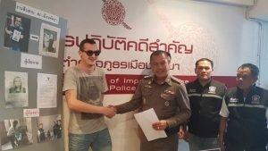 Pattaya: Katoey klaute Kreditkarte eines Touristen und ging shopping