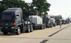 Thai-Navy schickt wegen Hochwasser Schiffe nach Roi Et