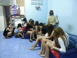 Sriracha: Sicherheitskräfte nahmen in einem Bordell 31 Laotinnen fest