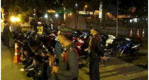 Bangkok: Polizei verhaftet 95 Teenager wegen modifizierter Motorräder
