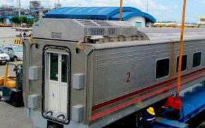neue-chinesische-reisezugwagen-in-laem-chabang-eingetroffen
